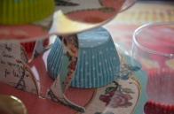 Caissette bleue à pois blancs