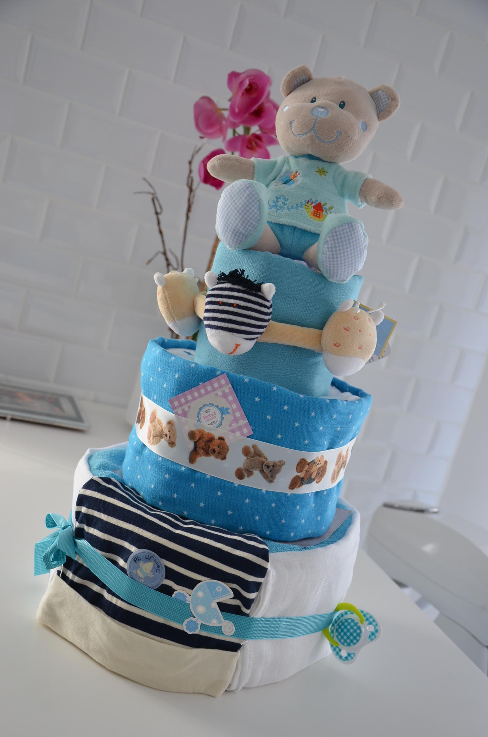 Diaper cake ou g teau de couches wenten ev nementiel r union - Gateau de couches suisse ...