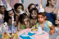 Anniversaire enfant Paris, Goûter d'anniversaire, surprise enfant, animation enfant.